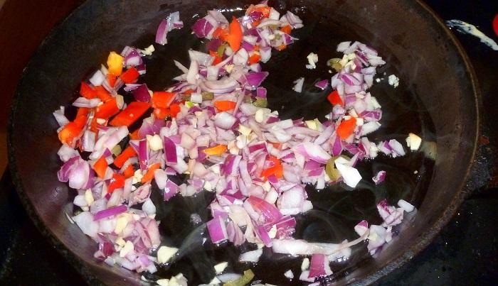 sauteeing onions and garlic in ibili pan