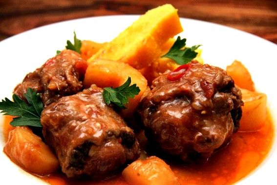oxtail-dish-using-russel-hobbs-slow-cooker
